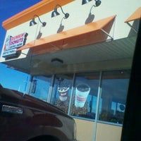 Photo taken at Dunkin Donuts by Venedia T. on 1/6/2012