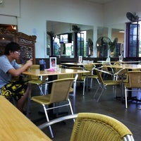 Photo taken at S & N Padang Restaurant Cyberia by Dr N. on 4/13/2011
