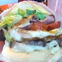 Photo taken at Esquilo Sanduiches BurgerMaxx by Guia VemComer.com B. on 2/12/2012