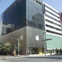 Photo taken at Apple Store by Yoshie. K. on 4/29/2012