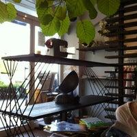 Photo taken at Umi Cafe by Heemun Y. on 7/11/2012