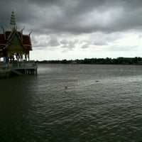 Photo taken at บ้านสวนแม่กลอง สมุทรสงคราม by iamlookkwan on 8/24/2012