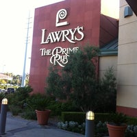 Photo taken at Lawry's The Prime Rib by ぴー ゆ. on 6/13/2012