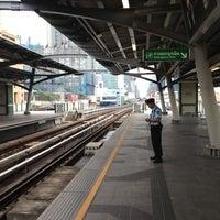 Photo taken at BTS Nana (E3) by Yoshihisa I. on 7/19/2012