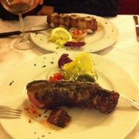 Photo taken at Carne e Dintorni by Pekeku on 6/15/2011