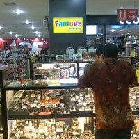 Photo taken at Nagoya Hill Famouz Countershop by Juriono J. on 10/22/2011