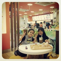 Photo taken at Restaurant A&W Pekan by Affy N. on 8/16/2012