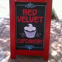 Photo taken at Red Velvet Cupcakery by Christian💋 on 8/29/2012