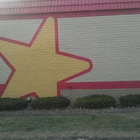 Photo taken at Hardee's by Jason W. on 12/16/2011