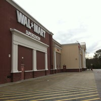 Photo taken at Walmart Supercenter by Dien A. on 3/7/2012