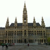 Das Foto wurde bei Rathausplatz von Janis V. am 4/22/2012 aufgenommen