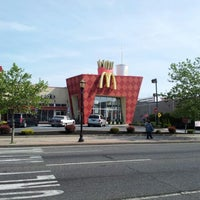 Photo taken at McDonald's by Dari S. on 5/13/2012