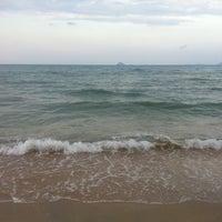 Photo taken at Sri Pantai Chalet Melawi, Bachok by WaniApple on 3/31/2012