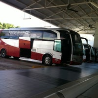 Photo taken at Terminal de Autobuses ADO by Mac M. on 8/5/2011