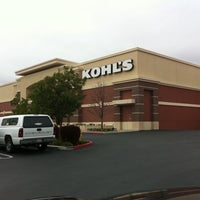 Photo taken at Kohl's by Omar Victor G. on 1/13/2011