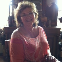 Photo taken at Bella Victorian Winery Tasting Room by Gary C. on 5/6/2012