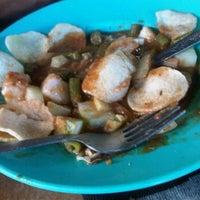Photo taken at Restoran Raya by Hermawati H. on 8/28/2012