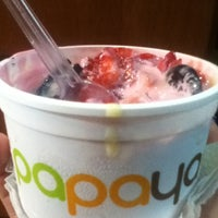 Photo taken at Papaya by Windelys A. E. on 3/16/2012
