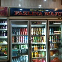 Photo taken at Restoran Fazlina Maju by Noor Lailatul M. on 1/28/2011