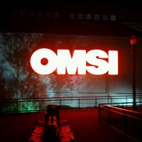Photo taken at Oregon Museum of Science & Industry (OMSI) by edgar r. on 10/16/2011