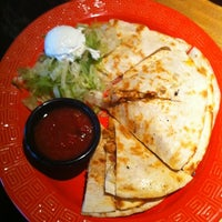 Photo taken at Applebee's by Andy W. on 10/17/2011