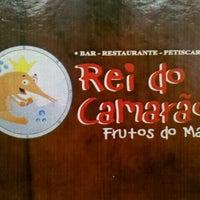 Photo taken at Rei do Camarão by Conrado Björn M. on 10/30/2011