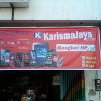 Photo taken at Karisma Jaya Bengkel HP by sonny w. on 8/27/2011