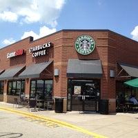 Photo taken at Starbucks by Stein W. on 5/24/2012