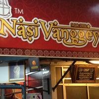 Photo taken at Restoran Vanggey by Irwann on 4/13/2012