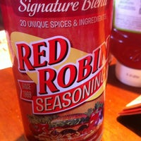 Photo taken at Red Robin Gourmet Burgers by Michael R. on 8/3/2012