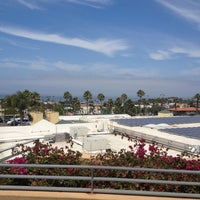 Photo taken at San Diego County Library - Encinitas by Dan Z. on 8/15/2012