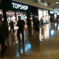 Photo taken at Topshop by danyell t. on 7/15/2012