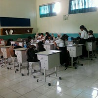 Photo taken at SMP Negeri 1 Malang by Intan Z. on 4/10/2012