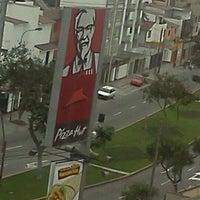 Photo taken at KFC by Fernando R. on 9/29/2011