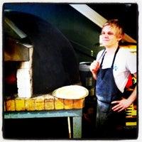 Photo taken at Est Pizzeria by Louis S. on 8/18/2011