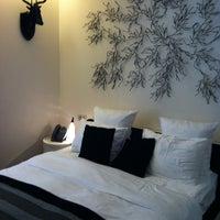 Photo prise au Hotel La Cour des Augustins par Glossyvonne K. le6/10/2012