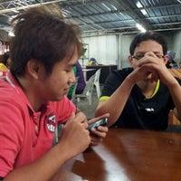 Photo taken at Tomyam Jalan Larut by Emma N. on 7/6/2012