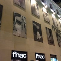 Photo taken at Fnac by grcanosa on 8/27/2012