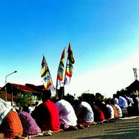 Photo taken at masjid baitussalim by N W. on 8/19/2012