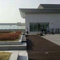 Photo taken at Yonsei University Cafe Tresbien by Minty R. on 10/31/2011