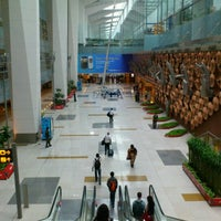 Photo taken at Indira Gandhi International Airport (DEL) by Yushi M. on 7/14/2012