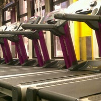 Photo taken at Planet Fitness by ウサギ ぴ. on 3/27/2012