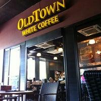 Photo taken at OldTown White Coffee by Adie on 10/30/2011