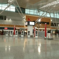 Photo taken at T3 Qantas Domestic Terminal by Mary B. on 10/1/2011
