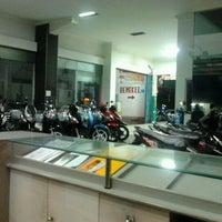 Photo taken at CV. MITRA JAYA - dealer resmi HONDA by Fachrul S. on 5/22/2011