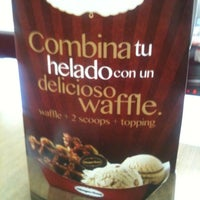 Photo taken at Häagen-Dazs by Cryst N. on 5/13/2012