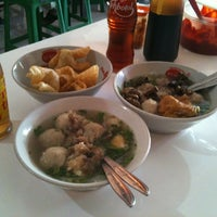 Photo taken at Bakso Kikil Seruni by Henry on 8/22/2012