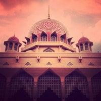 Photo taken at Masjid Putra by Hafeez A. on 9/6/2012