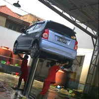 Photo taken at Bibil car wash and salon by Alfan Y. on 5/20/2012
