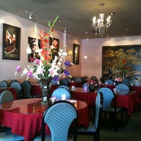Photo taken at Edna Ray Chinese Restaurant by Keke M. on 6/15/2011